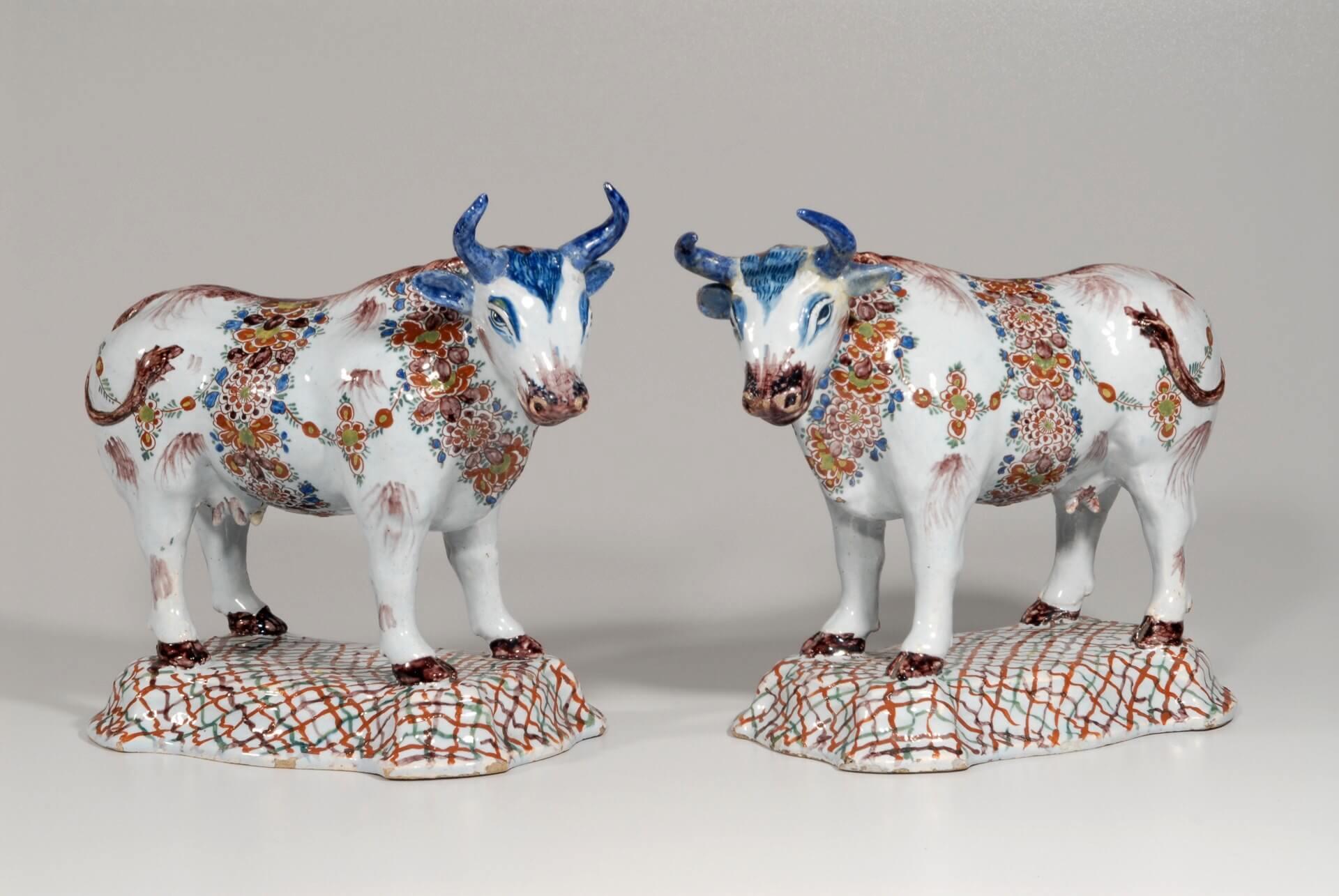 Aronson Antiquairs antique polychrome cows