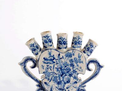 • D1644. Blue And White Flower Vase