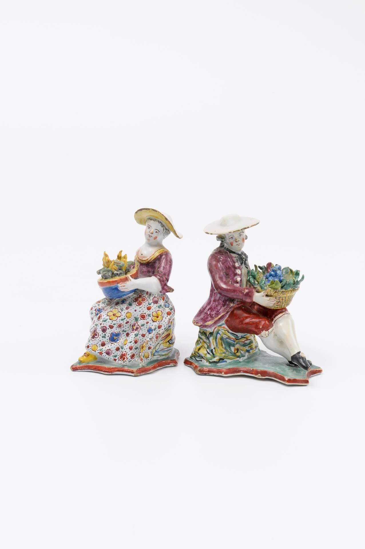 Antique petit feu figures of delftware Aronson Antiquairs