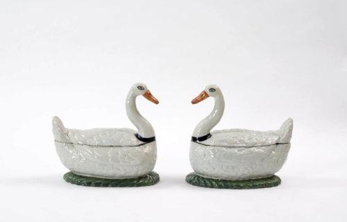 Antique Tureens Of Swans Aronson Antiquairs