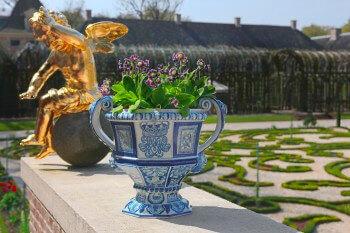 45 Delftware Garden Vases Will Be On Display In The Gardens Of Paleis Het Loo
