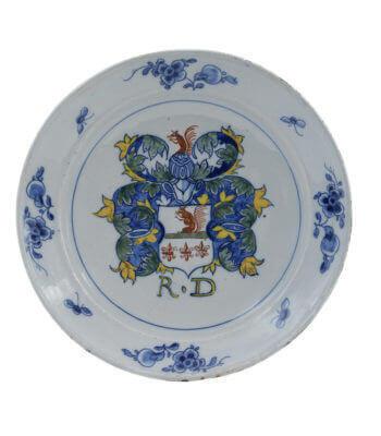 1784. Polychrome Armorial Plate