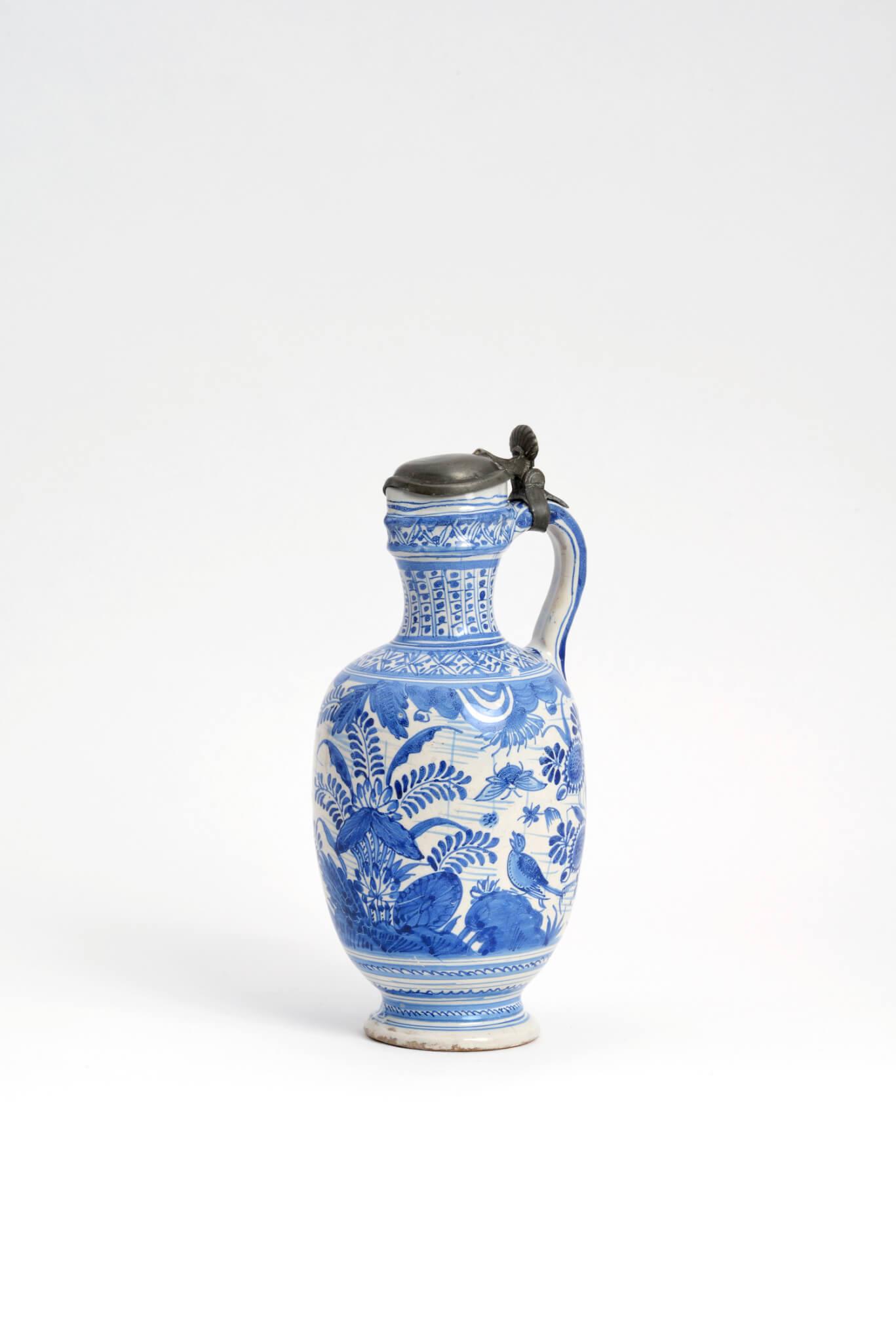 Delftware ovoid jug Aronson Antiquairs