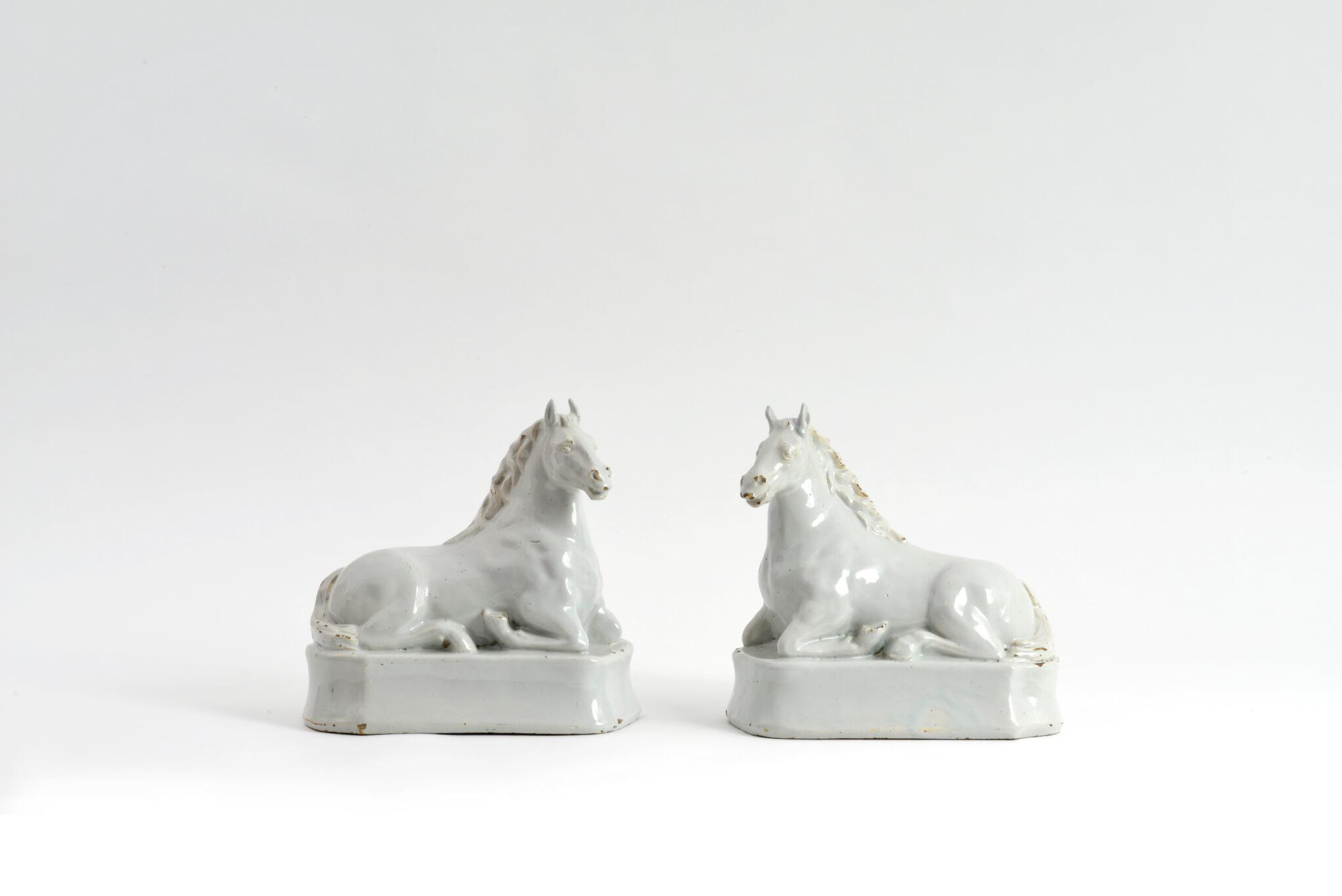 For Sale Antique Ceramic Pair Of Recumbent White Horses D1842