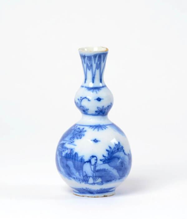 Delftware vase