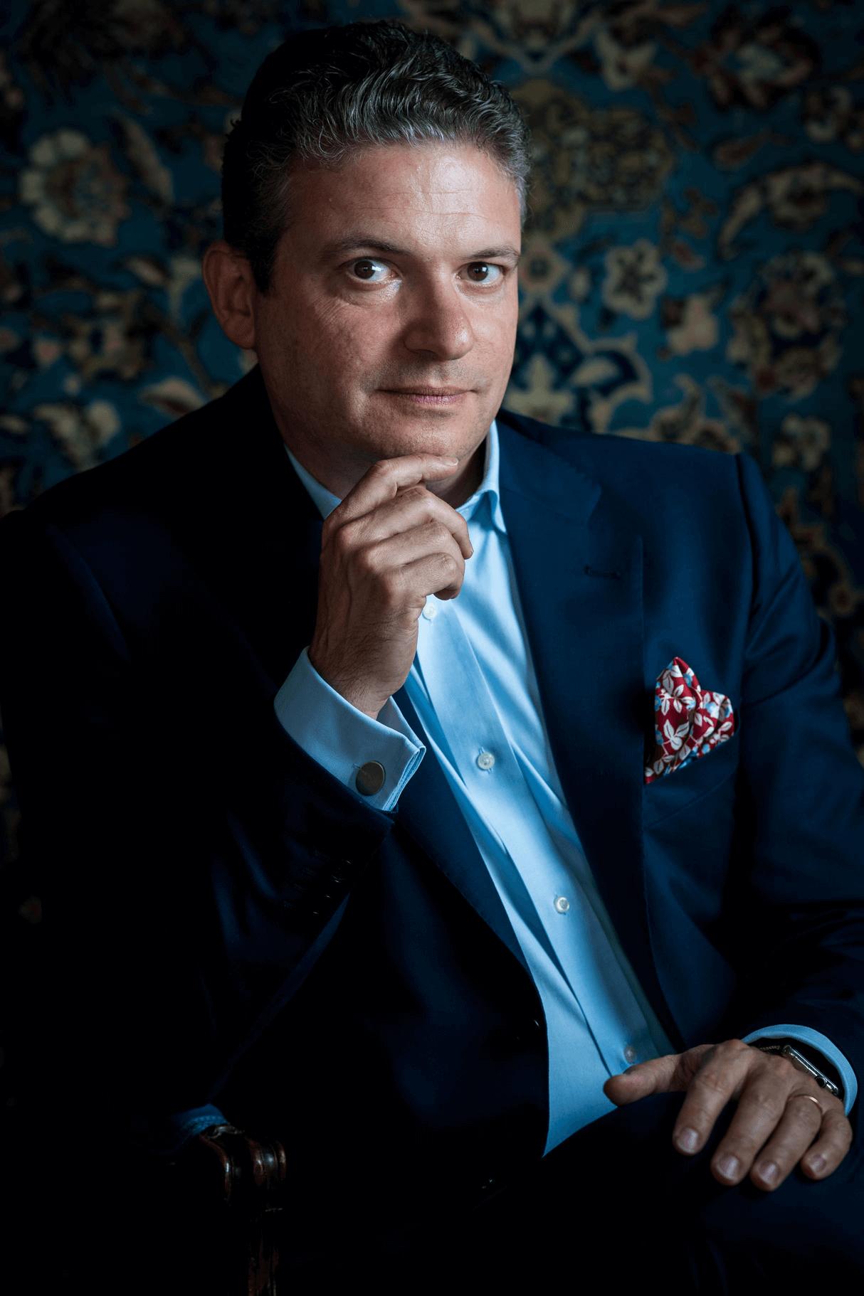 Robert Aronson, The Delft Blue Detective